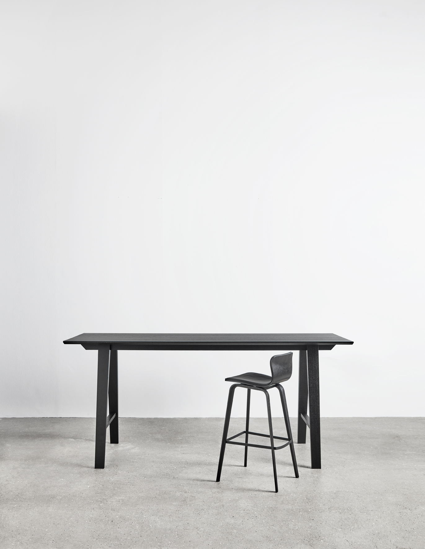 Magnus Olesen, Bar Table Wood