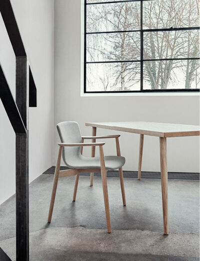 Magnus Olesen, Butterfly Classic Chair