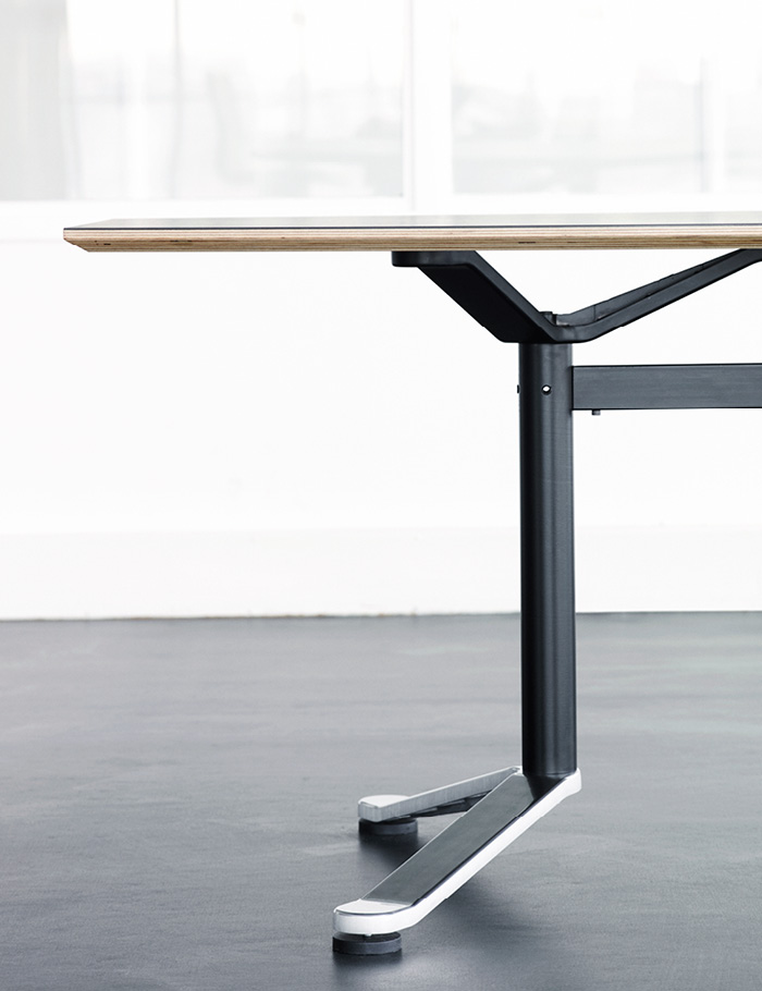 Magnus Olesen, Butterfly Table
