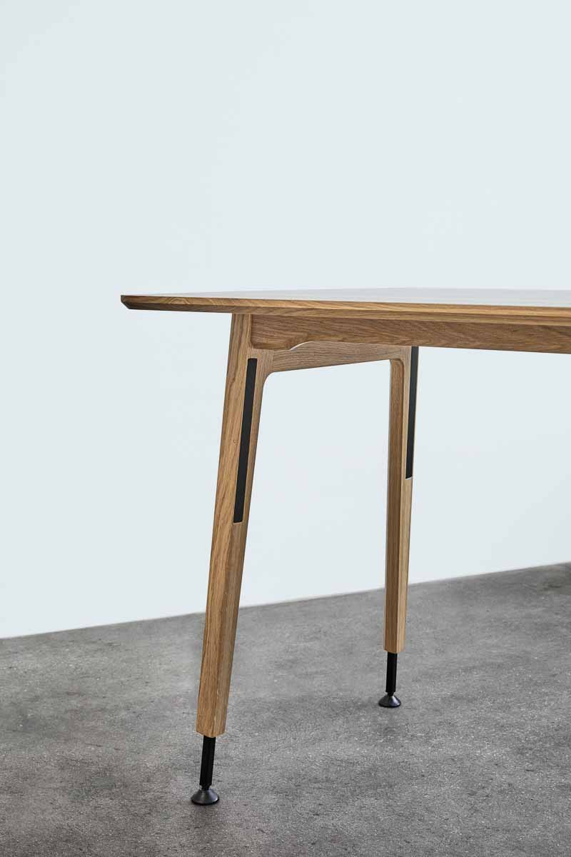 Magnus Olesen, Freya Desk Up